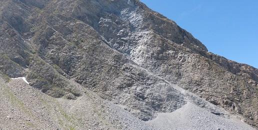 Frana al Monte Française Pelouxe: Probabili cause, dinamica e volume di materiale staccato