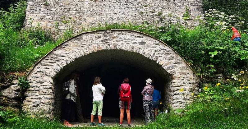 Ghiacciaia ottocentesca, Ecomuseo Colombano Romean, Parco naturale del Gran Bosco di Salbertrand