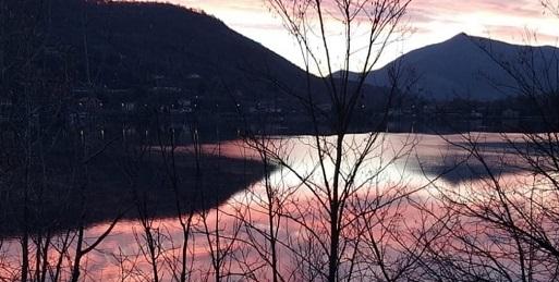 Chiusa la passeggiata del lungolago sul Lago grande